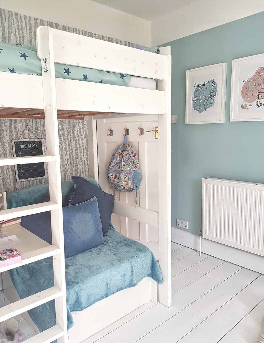 Bedroom revamp for teens with taste